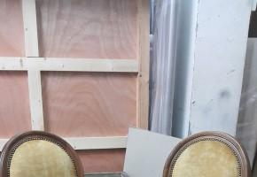 כיסא בר  צבוי בעץ אפוקסי נתן לבחור צבע לעץ, מבחר גדול של בדי ריפוד