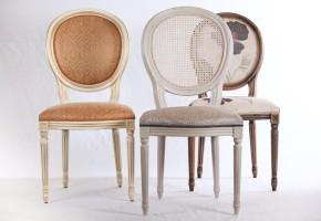 כסאות מרופדים עם חריטה ב עץ,עץ בוק חזק מאוד.דגם לואיג'י